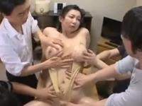 若者に身体を陵辱される癒し系のぽっちゃり寮母