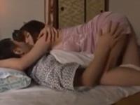 娘の彼氏を寝取る母!夜這いしてきた義母に一心不乱に腰を振る
