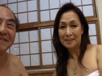 高齢夫婦の営み動画 ご無沙汰セックスに乱れる還暦熟女