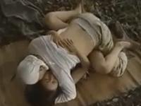 田舎の人妻は山中で逢引して激しい交尾を繰り返す