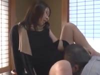 義理の父親との濃厚なセックスがやめられない若妻