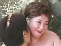 おばあちゃん軍団の温泉ツアーは乱交しまくりだった熟女動画