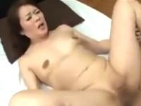 熟女生保レディーが中出しセックスで契約を取る枕営業現場