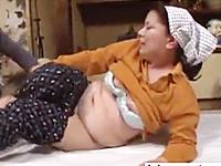 モンペ姿の六十路母を襲って無理矢理近親相姦で膣内射精