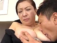 恥ずかしそうに股を開いて久しぶりのSEXを味わう還暦の人妻熟女