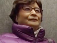 70代になっても性欲旺盛な祖母がAVに出演