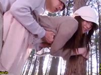 森で出会った登山好きの人妻に立ちバックを強要して中出しレイプ
