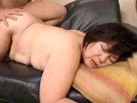 六十路の祖母と性行為 おばあちゃんの大きなお尻を突きあげる孫