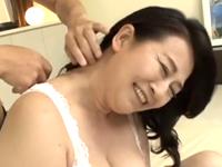 刺激を求めてAVに応募してきた性欲旺盛な還暦熟女に膣内射精