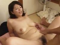 人妻になっても浮気癖のある昭和の四十路熟女 美しくて豊満な身体が男を虜にする