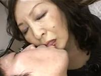 素人の還暦熟女がAV出演 60代のたるんだ高齢女体と今も現役の熟した膣を初公開