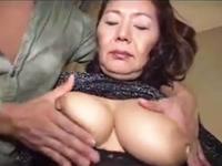 性感帯は今も敏感だった六十路の熟女 巨乳と膣を弄られて反応する還暦を過ぎた女体
