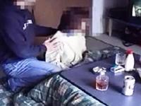 素人が投稿した母と子の近親相姦 田舎のおばさんが息子にねだられて股を開く衝撃リアル映像