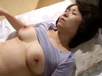 最高級の普通のおばさんが娘の夫におねだりされて性処理を担う…義母と婿の中出し性交