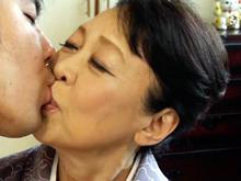 77歳のおばあさんと股間を重ねて交わる悦び…70代のセックス