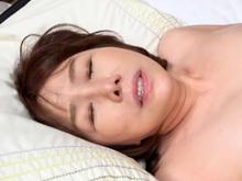 ほんわか系の童顔おばさん(55歳)がAVデビューで可愛く喘ぐ
