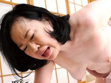 70歳の母がミニスカと巨尻で息子を欲情させてしまう近親相姦