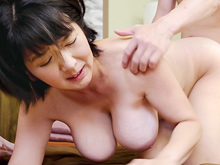 地味なおばさんの巨乳は絶品!息子を誘って性欲を満たす五十路母