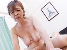 老婆になっても腰は振る!年を感じさせるおばあちゃんの高齢性交