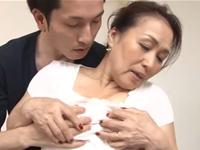 還暦熟女の母を妊娠させたい!息子との中出しセックスに乱れる母