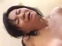 親父に使い込まれた母の膣の具合が良すぎる