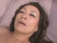 ヤリマンな六十路熟女の子宮に注ぎ込まれる精液
