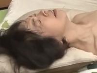 六十路の母の膣に中出し 肉体を求め合う親子の近親相姦
