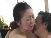 おばあちゃんのセックス動画 久しぶりの性行為を静かに味わう六十路熟女