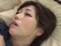 酔っ払って眠ったところを襲われて初めての不倫セックス