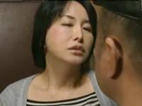 性欲を持て余す40代の熟女が久しぶりのセックスで獣と化す