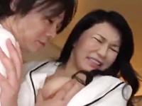 お風呂でオナニーをして痙攣絶頂する嫁の母を狙う娘婿