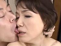 六十路熟女の義母が娘婿と夫婦のようなセックスを繰り広げる