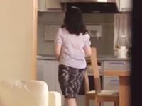 隣の奥さんを抱きたい…ストーカーと化した隣人に寝込みを襲われる人妻