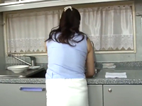 近所によくいるリアルなおばさん体型だからそそる!隣の奥さんと不倫に発展