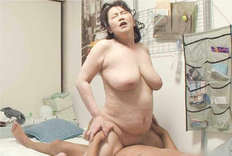 おばさんレンタルで熟女とセックス7