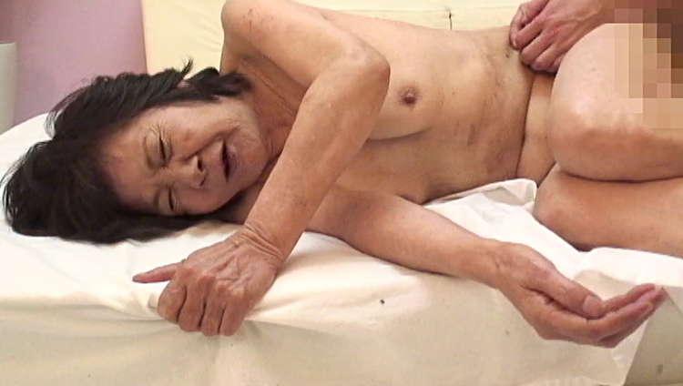 普通のおばさんの高齢セックス12