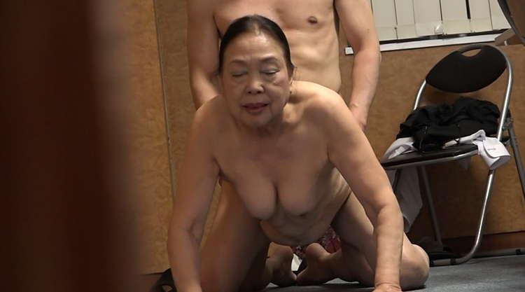 高齢熟女を狙うスマホ教室6