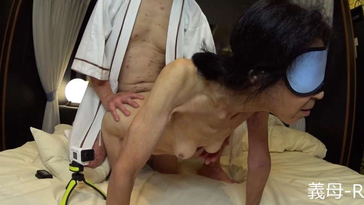 本物の義母と婿の性行為1