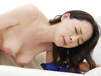 乳首で魅せる五十路の女体 使い込まれた大きめの乳首は感度良好
