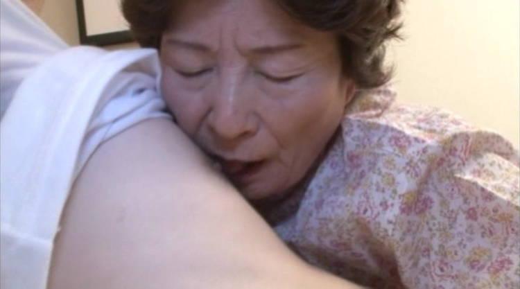 おばあちゃんと孫…1