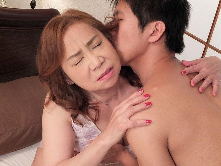 お婆ちゃんの性教育…7