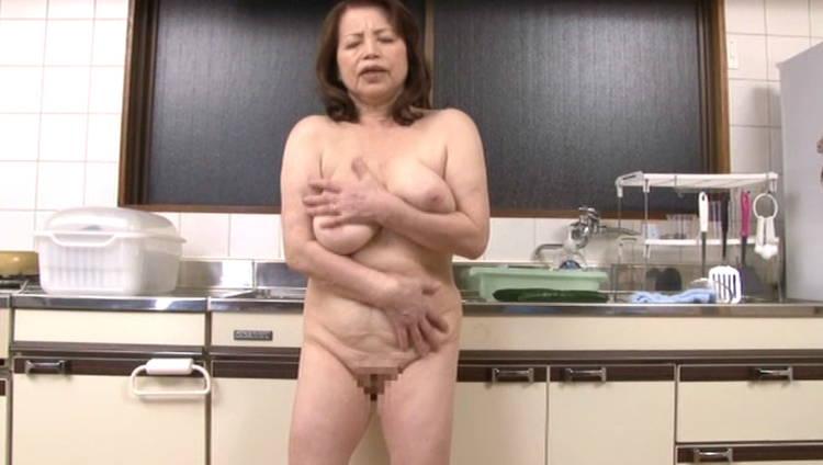 70歳の祖母と近親相姦…4