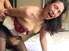 くたびれ感たっぷりの還暦主婦が想像以上に乱れる中出しセックス